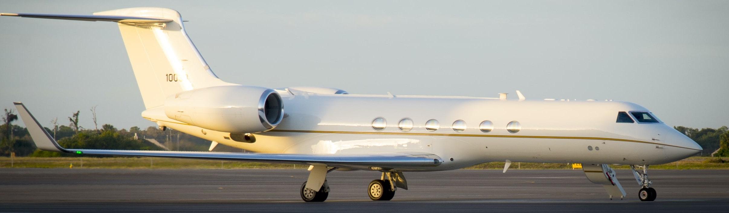 Location d'un jet privé avec Menkor Aviation