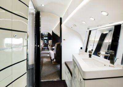 Salle de bain et toilettes du Falcon 8X