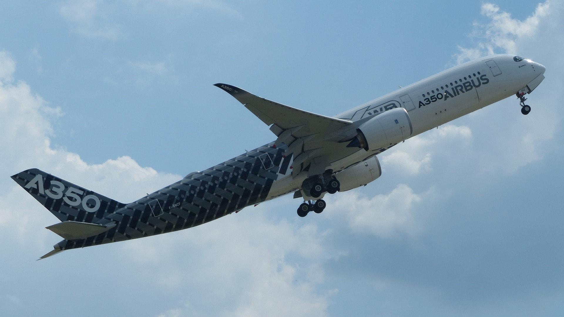L'airbus A350 XWB au décollage