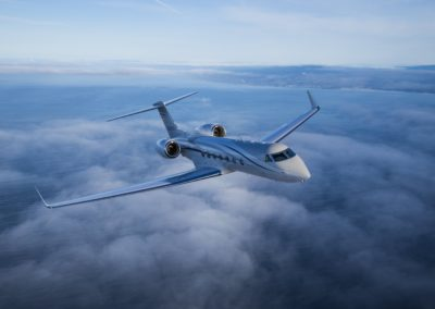 The magnificient Gulfstream G550 flying over clouds