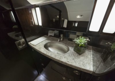 Lavatory of the Gulfstream G550