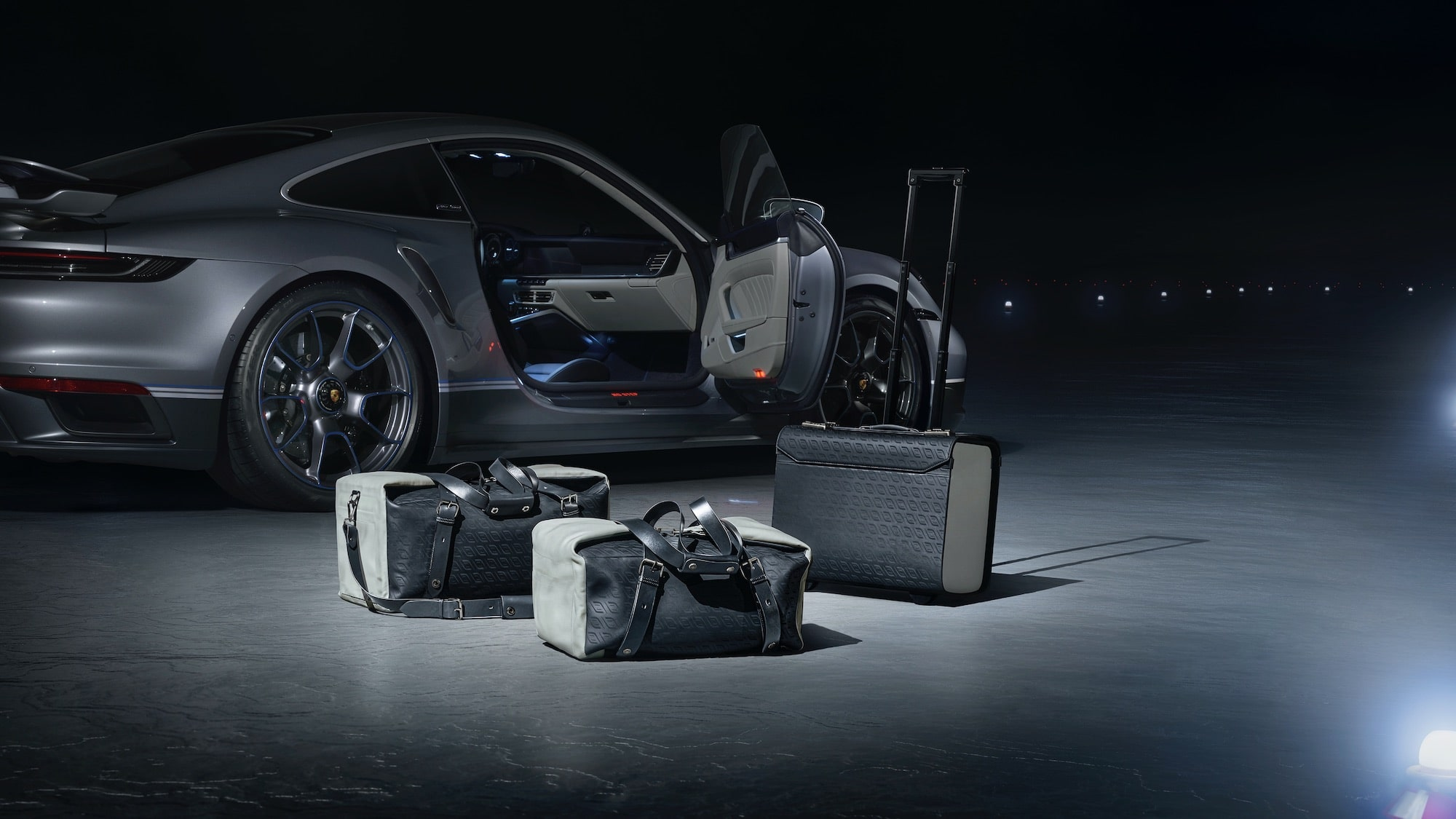 The Duet Bagages of the Porsche and Phenom Collaboration