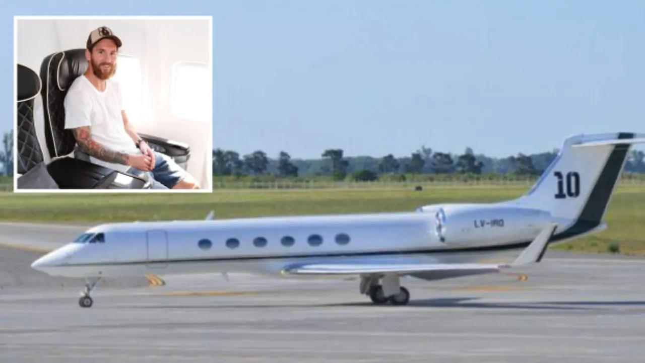Messi in his private jet