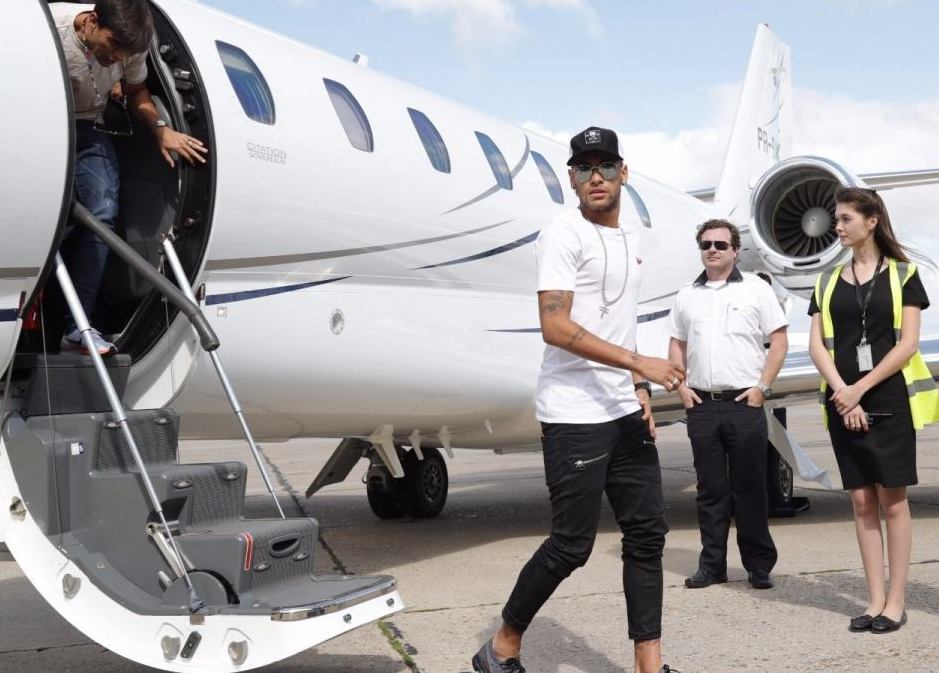 Neymar and his private jet