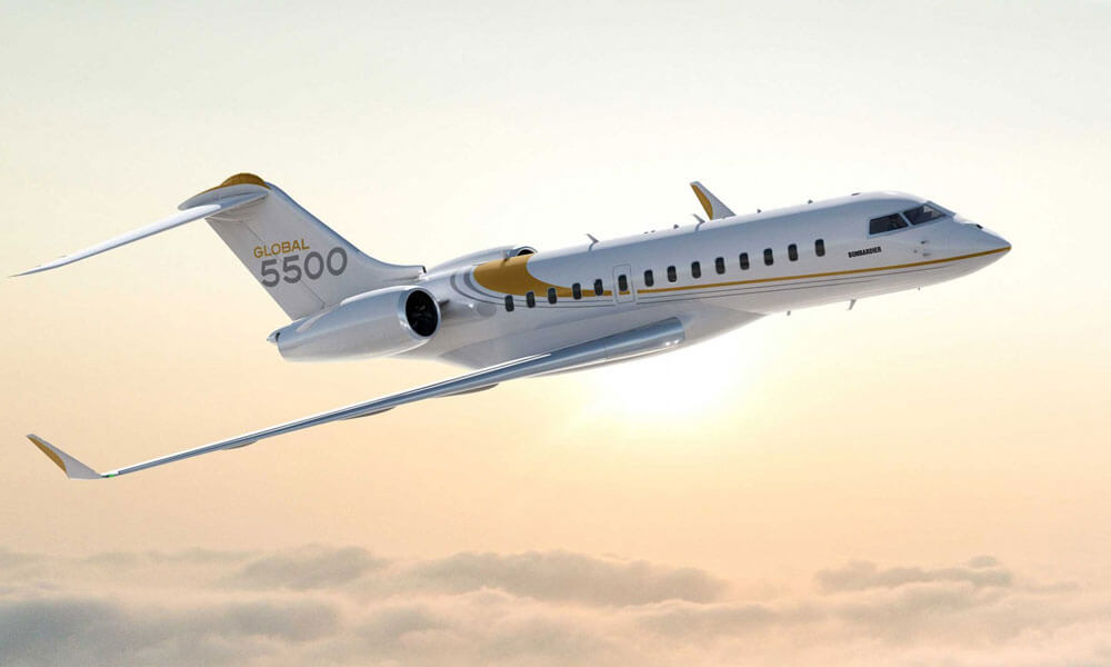 The Bombardier Global 5500 flying