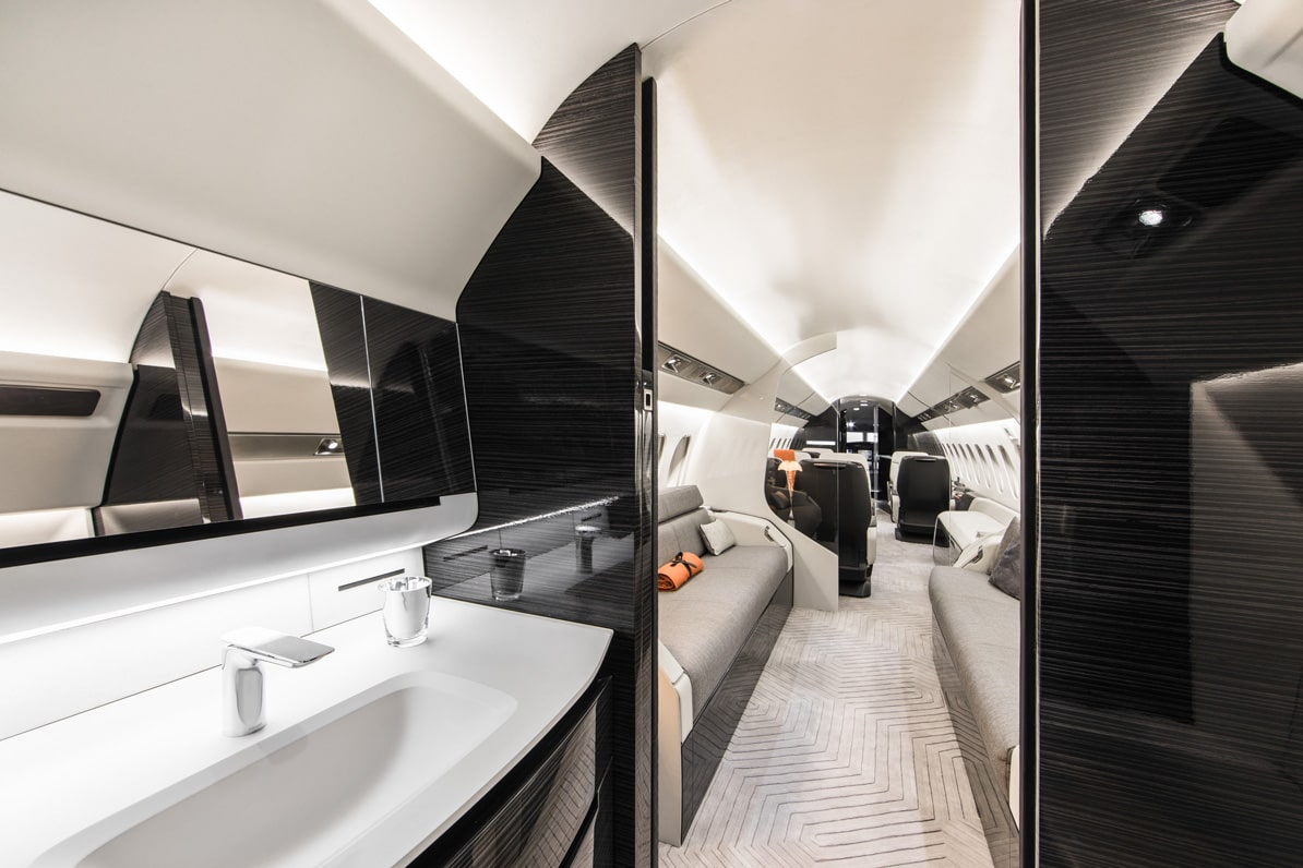 Falcon 6X interior and lavatory