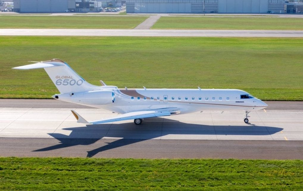 The Bombardier Global 6500 taxiing